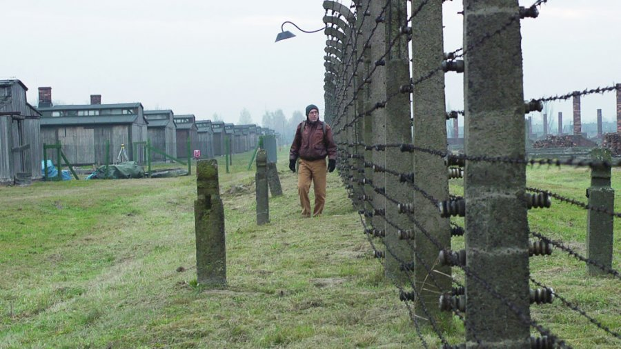 Janus Walking Birkenau